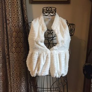 Wonder nation white fur vest